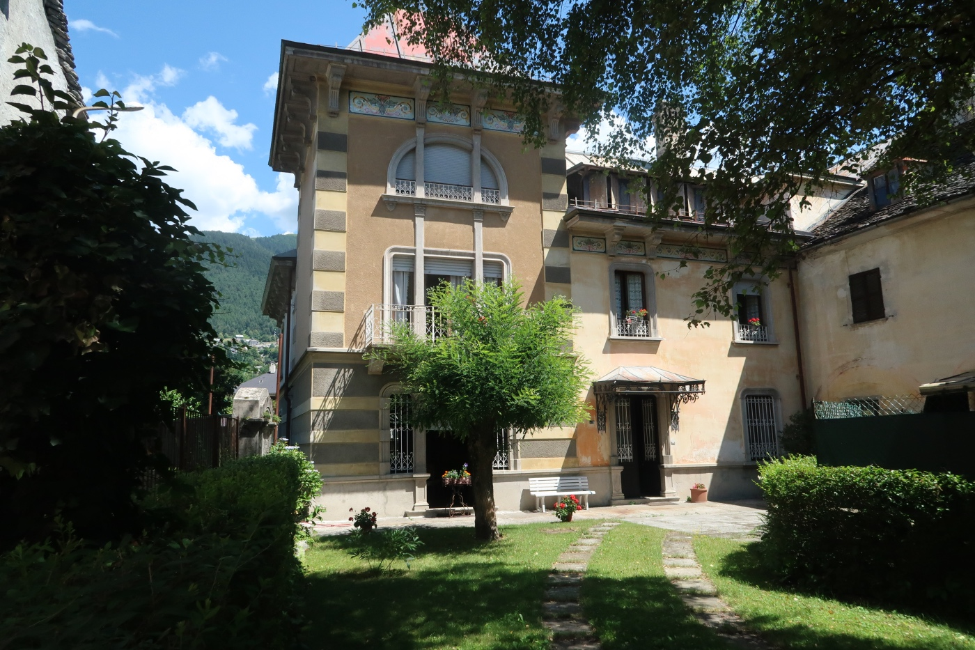VILLA ANTICA IN STILE LIBERTY - Barera Immobiliare